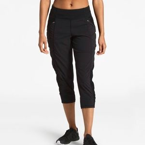 The North Face • On The Go Mid-Rise Crop